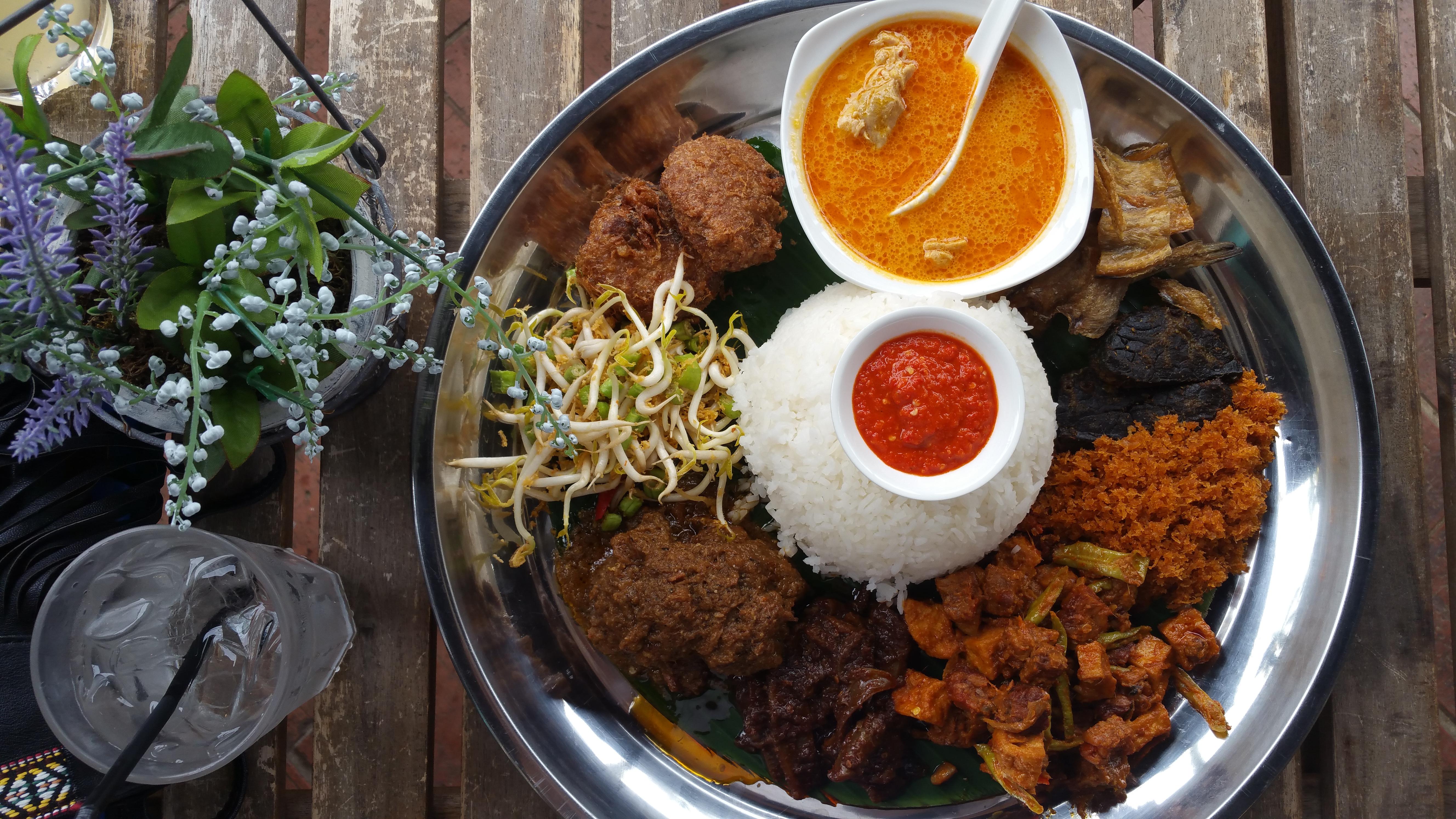 Padi nasi ambeng Singapore